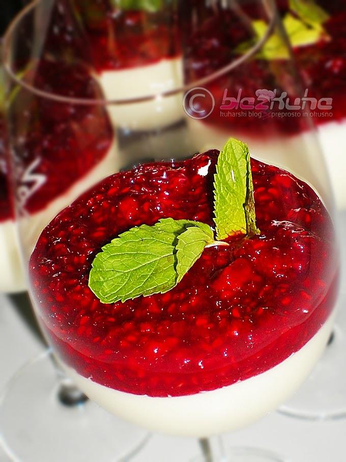 Jogurtova strjenka z malinami