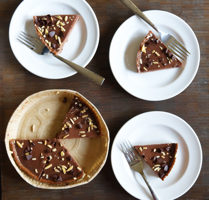 photo chocolate almond butter tarte