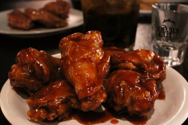 pizza hut introduces new jim beam bourbon bbq wings brand eating