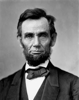 Dua Kutipan Yang Menunjukkan Abraham Lincoln Sayang dan Hormat Kepada Ibunya