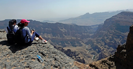 Self-guided Solo Winter Day-Hike to Jebel Shams (2,997masl)