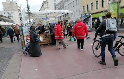 حملة,مراقبة,لقوانين,كورونا,في,أسواق,فيينا