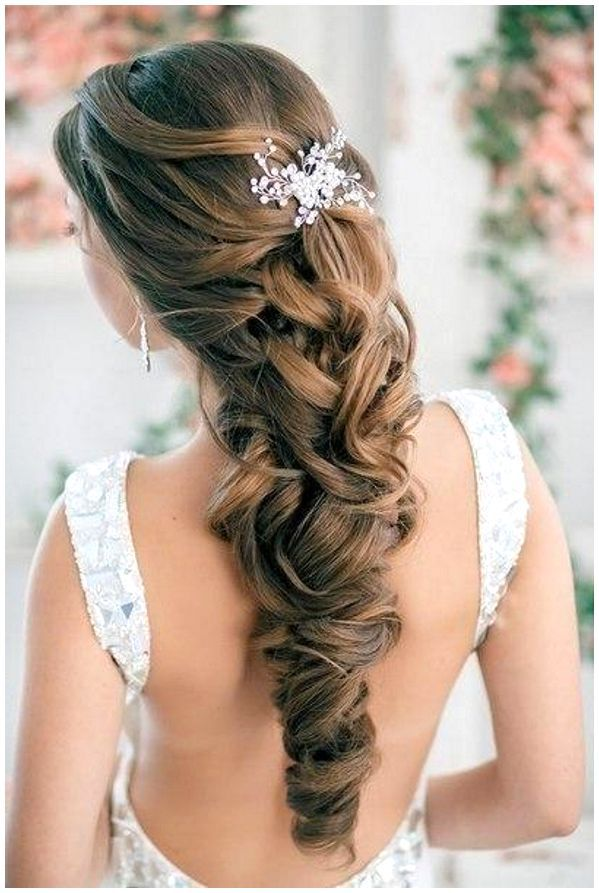 Pleasing 59 Prom Hairstyles To Look The Belle Of The Ball Hairstylo Short Hairstyles Gunalazisus