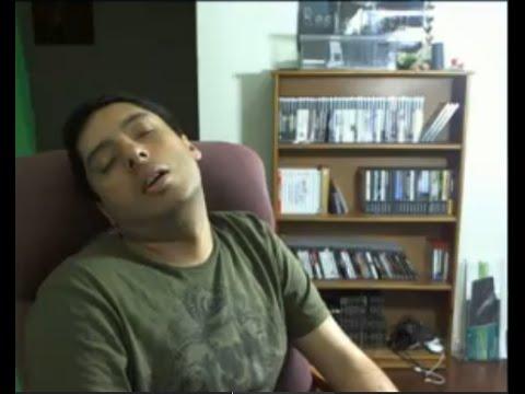 ResidentSleeper: A face de Oddler, que adormeceu por cerca de 66 horas durante uma maratona de 72 horas de Residente Evil
