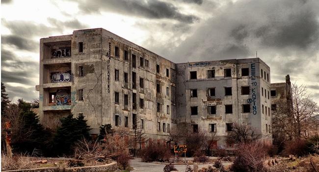To στοιχειωμένο Σανατόριο στην Πάρνηθα η ιστορια του και τα μυστήρια που το περιβάλλουν (vid)