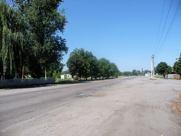 Васильківка. Район Низ. Вулиця Соборна. Траса Т 04-01