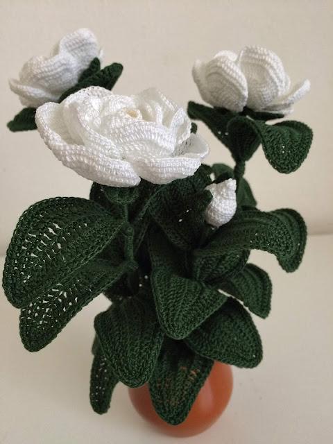 Il blog di sam how to crochet a gardenia for Il blog di sam piante grasse