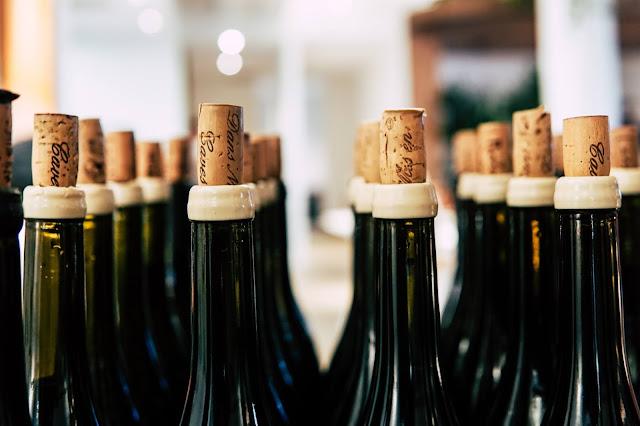 Jak szybko schłodzić wino?