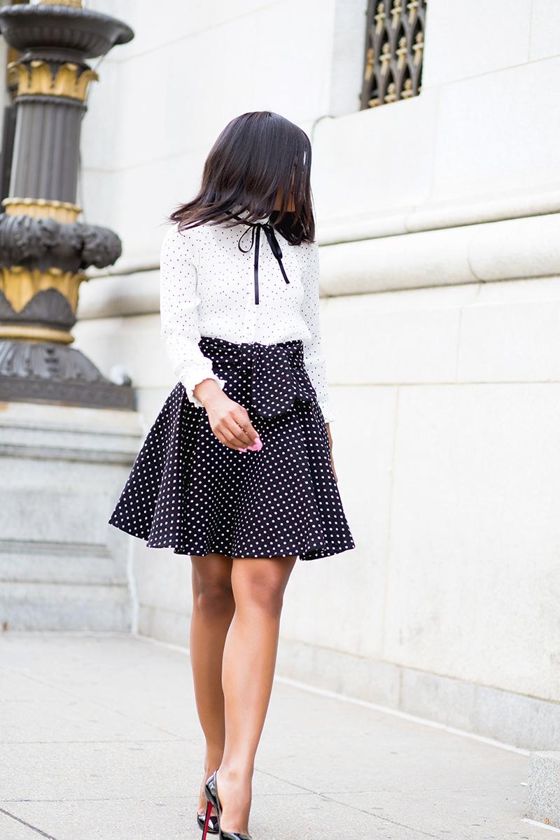 Polka dot blouse, mixing polka dot skirt, trench coat, www.jadore-fashion.com