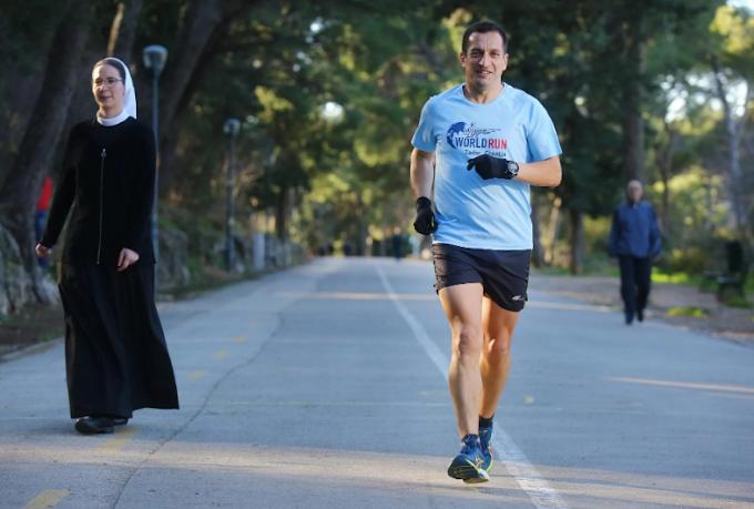 Svećenik rodom iz Ljubuškog godišnje istrči 3000 km i ima pregršt medalja: Kretanje kroz prirodu rješava vas stresa