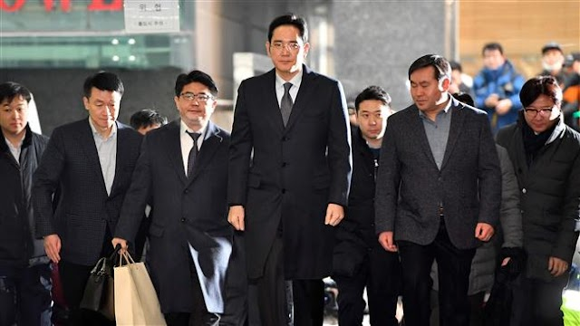 Samsung Group vice chairman Lee Jae-yong remains prosecution target amid request for arrest warrant