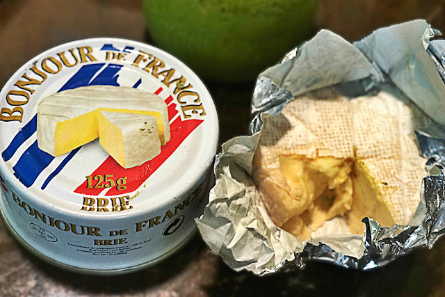 Bonjour De France Tinned Brie Cheese