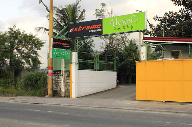 Entrance to Alexei's Diner & Cafe