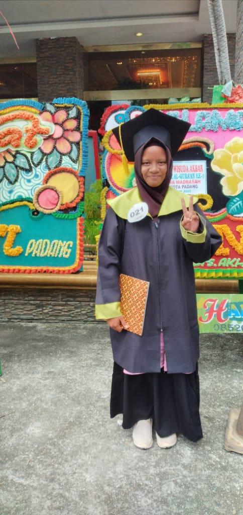 Naira, Anak Juara Rumah Zakat Hafal 7 juz