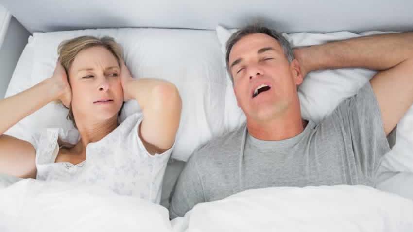 Dlaczego panowie boją się CPAP? Krótki poradnik dla umęczonych chrapaniem żon.