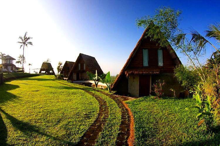Bulan Madu Di Atas Awan, Desa Munduk, Bali