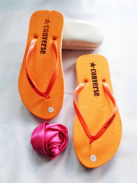 pengrajin sandal murah