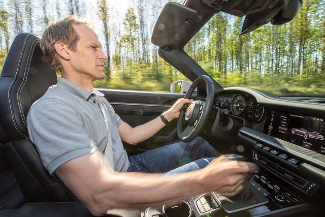 Porsche 911 2021 ganha opção de câmbio manual de 7 marchas
