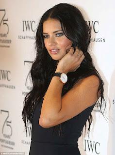 Adriana Lima - penghasilan per tahun: $8 juta