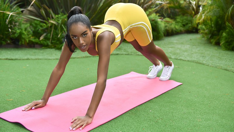 The Real Workout – Going Hard In The Pink – Ashley Aleigh