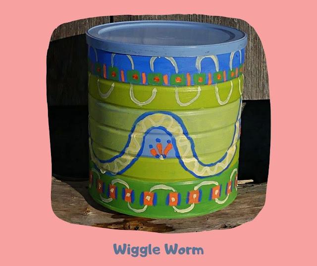 Wiggle Worm Pot by Minaz Jantz