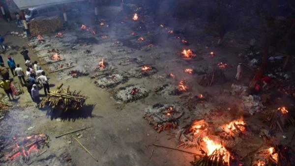 कोरोना से हुई मौतों पर झूठ कौन बोल रहा है? श्मशान या सरकारी दावे?news/covid-19
