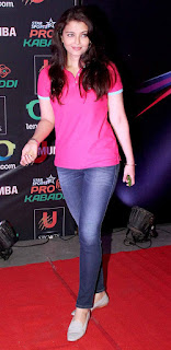 Aishwarya Rai In Blue Jeans And Pink Top
