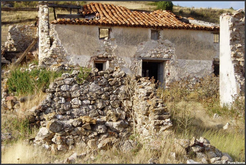 Villanueva De Las Tres Fuentes. Ruinas (4)