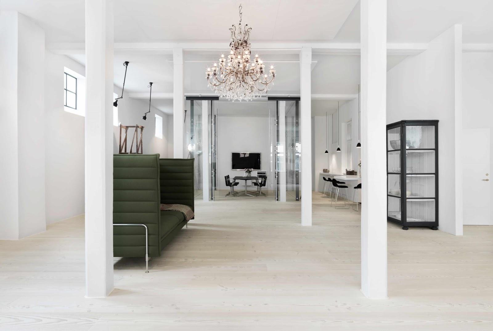 Una oficina de ensueño con el suelo Dinesen