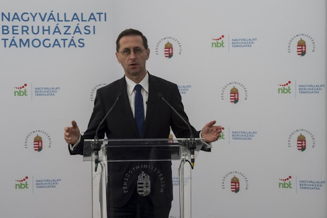Varga Mihály: A gazdaság újraindulása most a tét