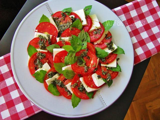 kapris salatası