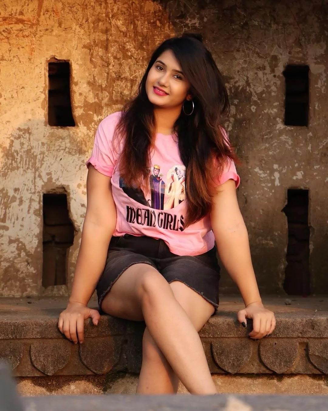 Famous tiktok girl divya upadhyay