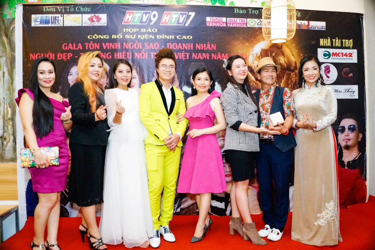 MC Sa Khang với vai trò Phó BTC Siêu Gala Tôn Vinh Ngôi Sao, Người Đẹp, Doanh Nhân và Thương Hiệu Nổi Tiếng 2021
