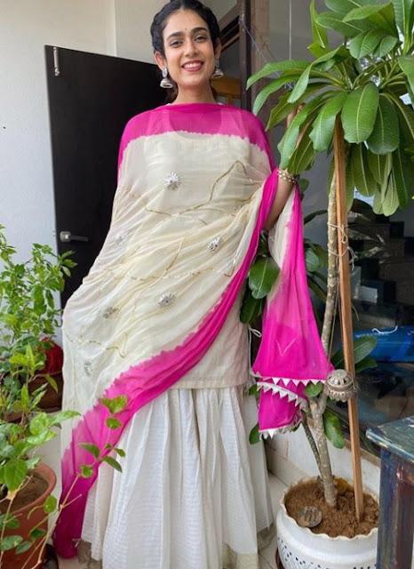Indian Actress Aakanksha Singh Photos
