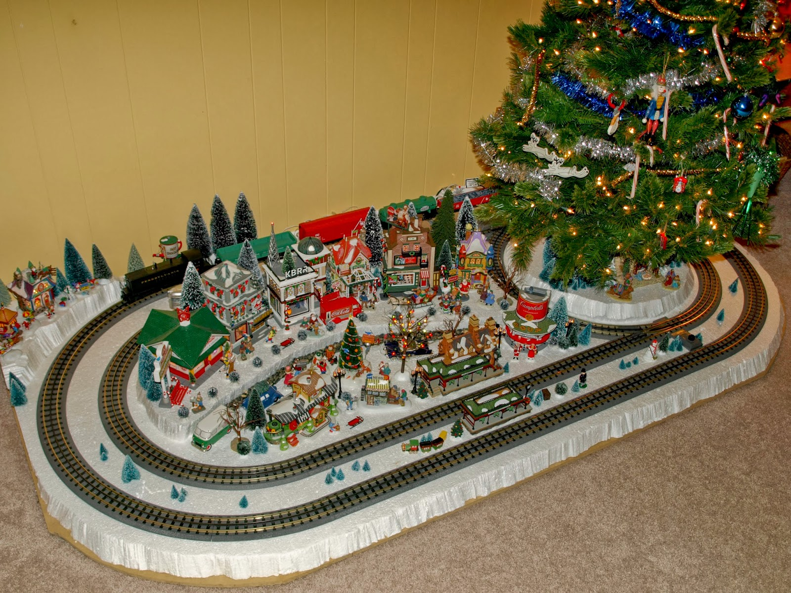 Ho Christmas Train.Chinook Hobby Talk Guide To A Simple Train Around The