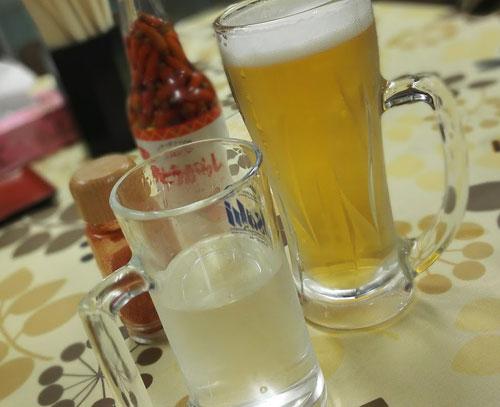 ビールと日本酒の写真