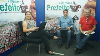 'Café com o Prefeito' em praça pública abre campanha viver não tem idade 2019
