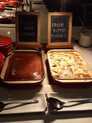 Sticky date pudding and bread butter pudding at Marriott Cafe Singapore
