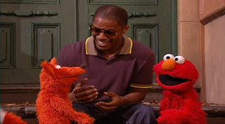 Jamie Foxx celebrity, Jamie Foxx sings the Alphabet with Elmo and a fox, Sesame Street Episode 4318 Build a Better Basket season 43