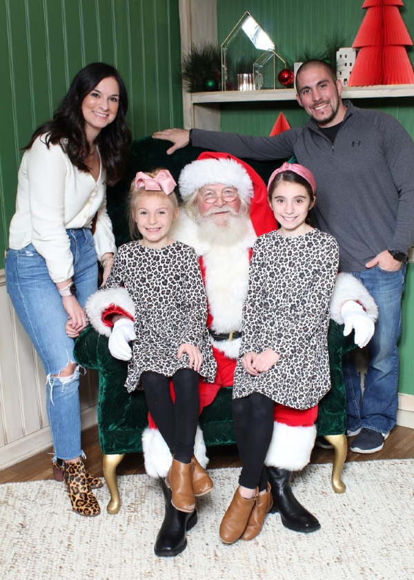 north carolina blogger, santa photos, style blogger, mom life, family picture outfits