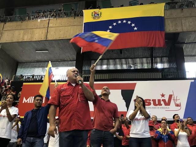 Diosdado Cabello: Diálogo no es rendirse, den la batalla si quieren
