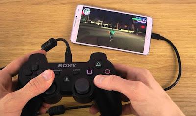 bermain game dengan joystick