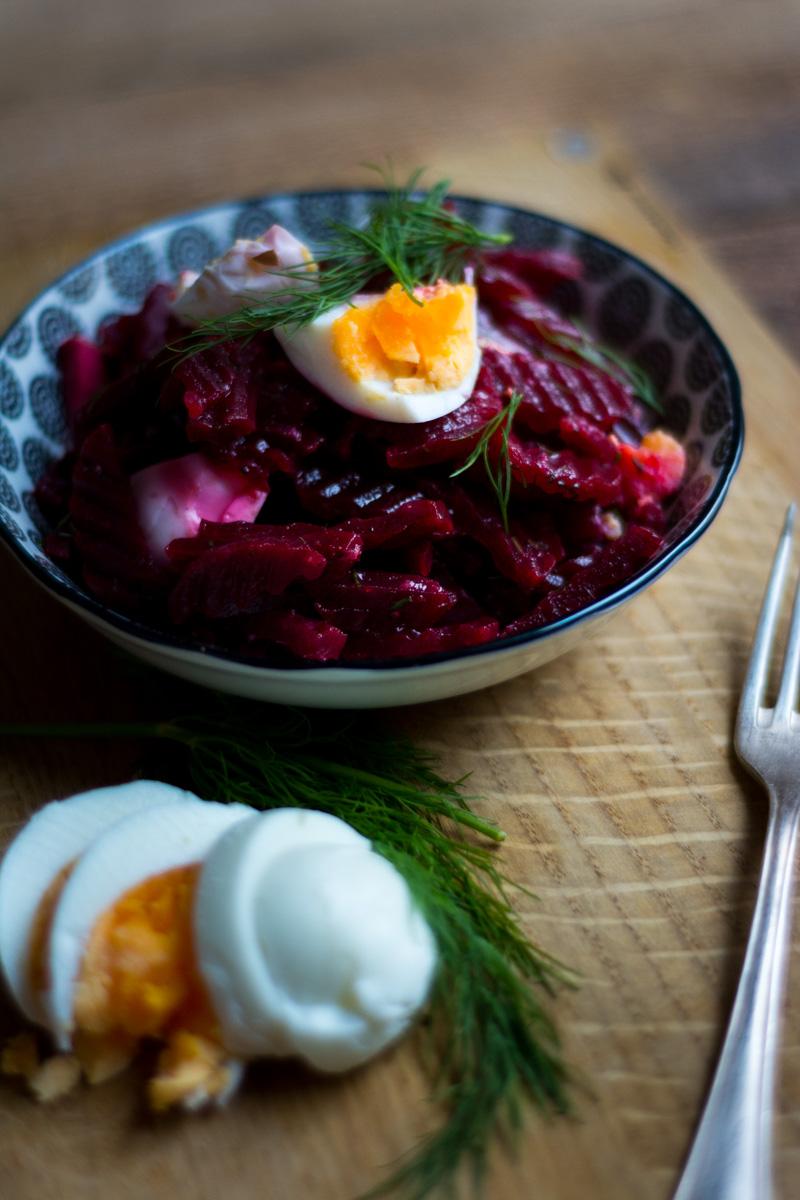 Irischer Rote-Bete-Salat mit Dill und Ei; Irische Vorspeise; Irisches Gericht