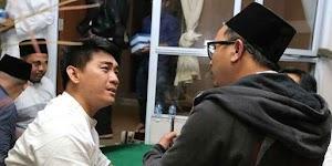 At the Tsunami in Banten, the twin of Ifan Seventeen had seen Dylan Sahara