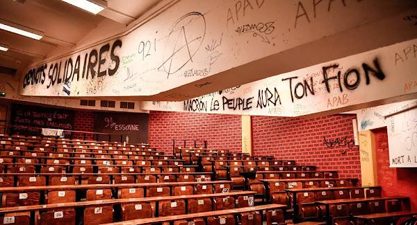 Sectarisme, boycott et chasse aux sorcières dans les universités: la France à la mode US?