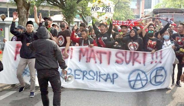 3 Suporter Indonesia Ditahan Polisi Malaysia Diduga karena Teror Bom
