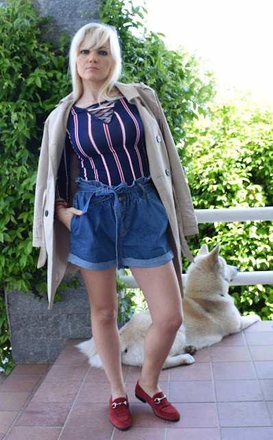 outfit shorts in denim come abbinare gli shorts in jeans  idee outfit primaverili outfit preppy preppy outfit come abbinare i pantaloncini in jeans mariafelicia magno fashion blogger colorblock by felym fashion blogger italiane blog di moda