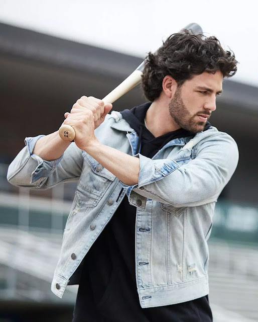 Dansby Swanson Thick Curls