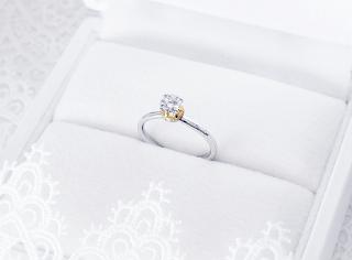 銀座一丁目オーダージュエリーサロンのデザインで母から受け継いだダイヤモンドリングが蘇りました。