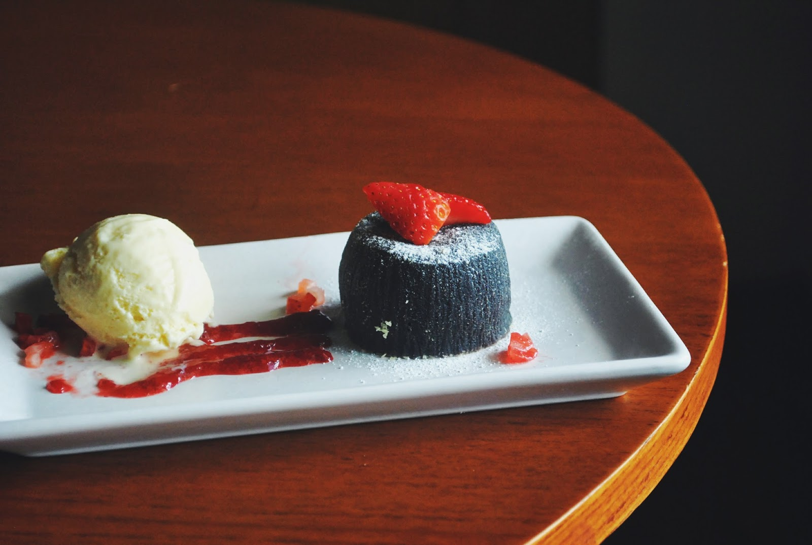 Voyage Coffee and Desserts - Gading Serpong : Nge-dessert di Coffee Shop? - chocolate fondant